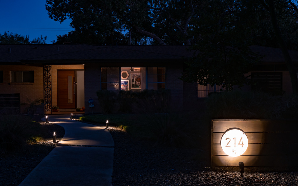pathway outdoor lighting